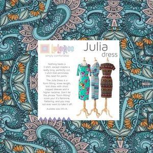 New LULAROE Green Geometric Print Julia Dress [A5]